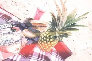 beach-picnic-pineapple